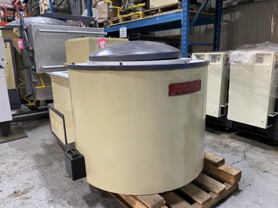 Used Thermtronix 900 Lbs Gas Melting and Holding Furnace #4764