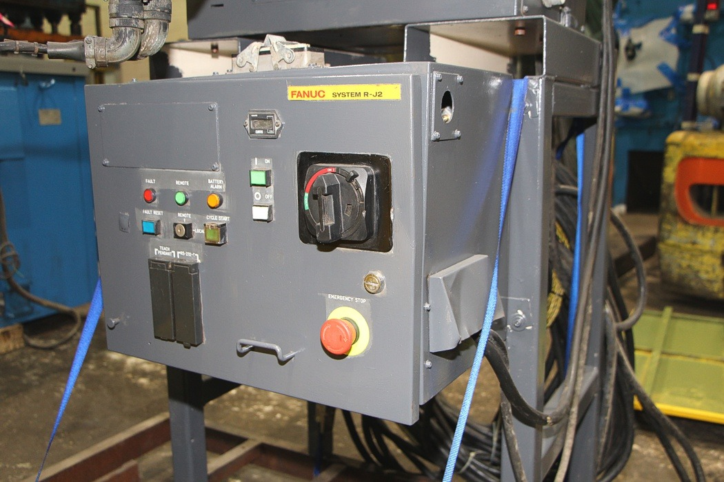 Used Fanuc S-420iW Robot Foundry #4286