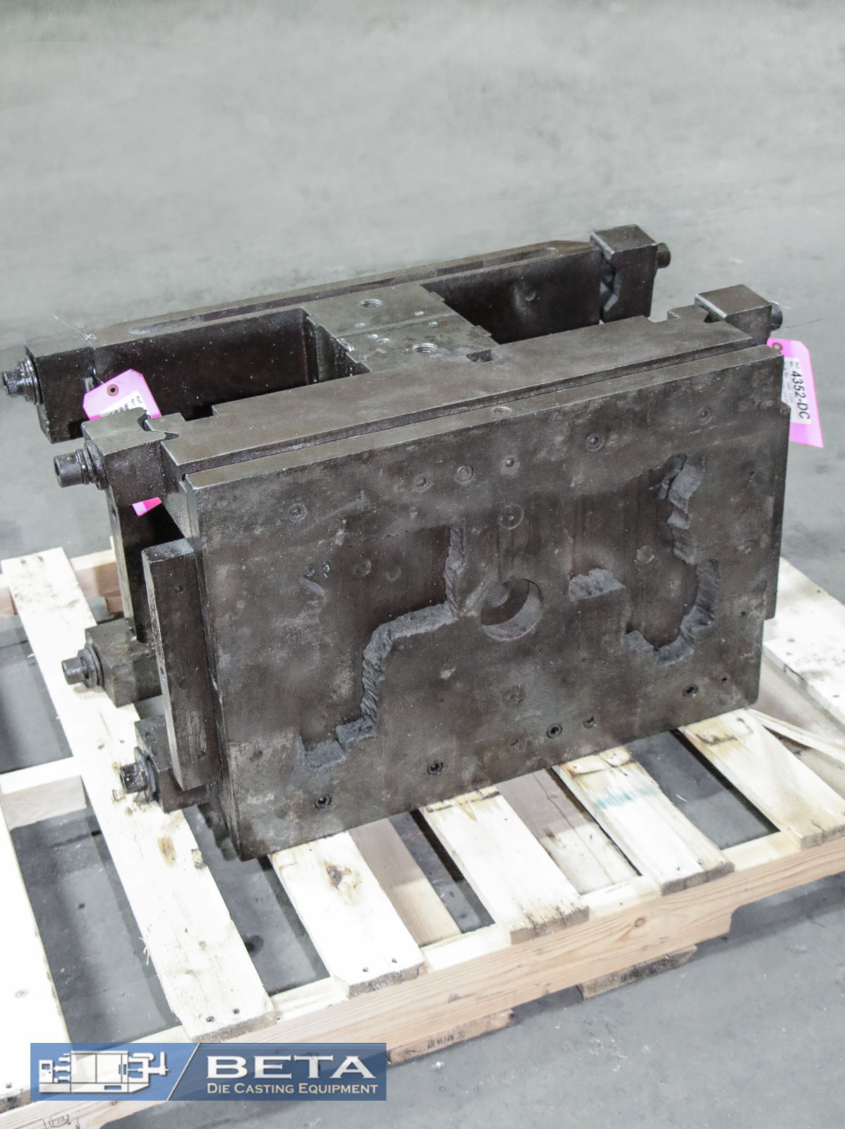 Used Unit Die Holder Double Cold Chamber #4352