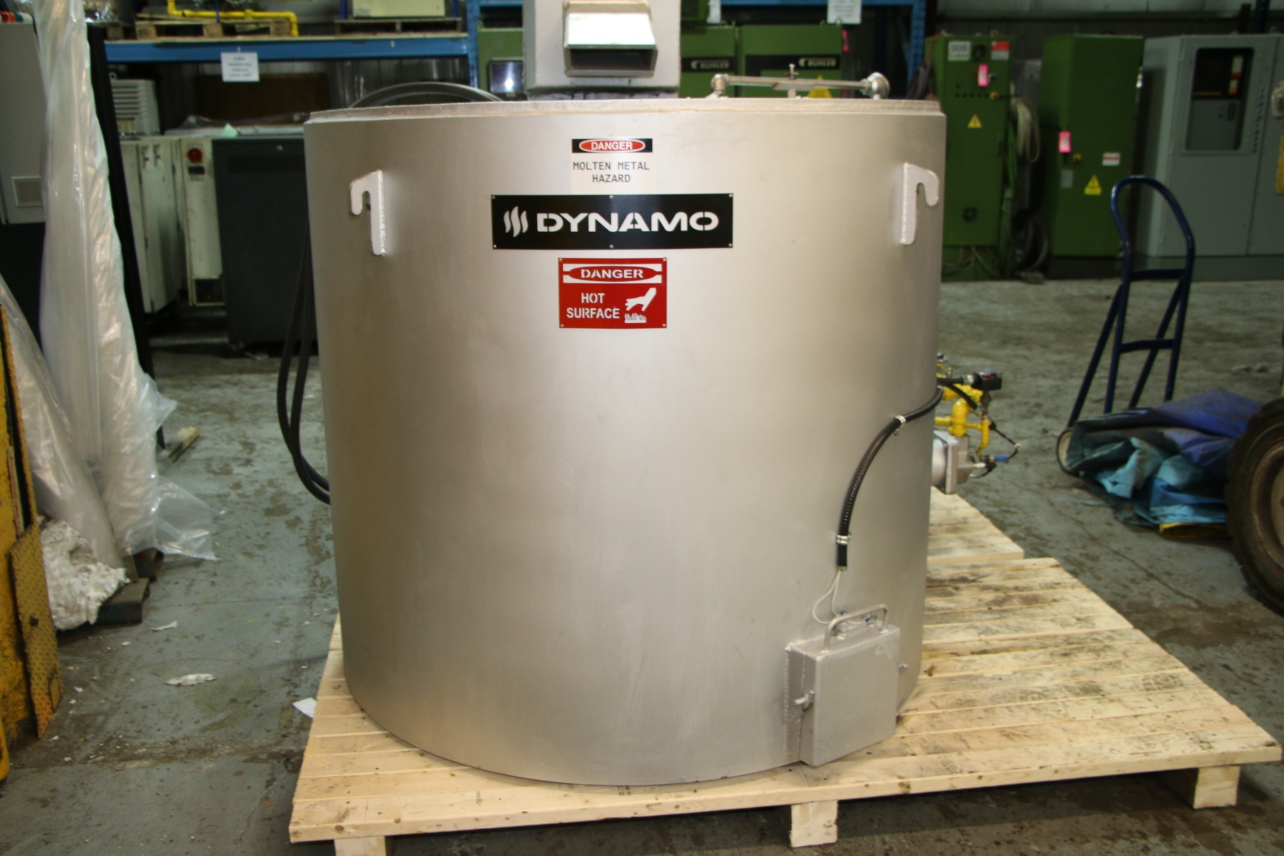 New Dynamo 330 Lbs 230Kw Gas Melting and Holding Furnace #4758