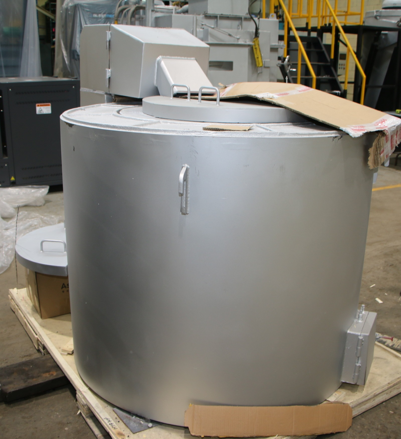 Used Dynamo 880 Lbs Gas Melting and Holding Furnace #4739