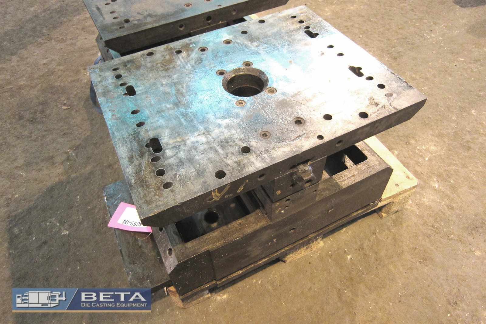 Used Unit Die Holder Double Hot Chamber #4059
